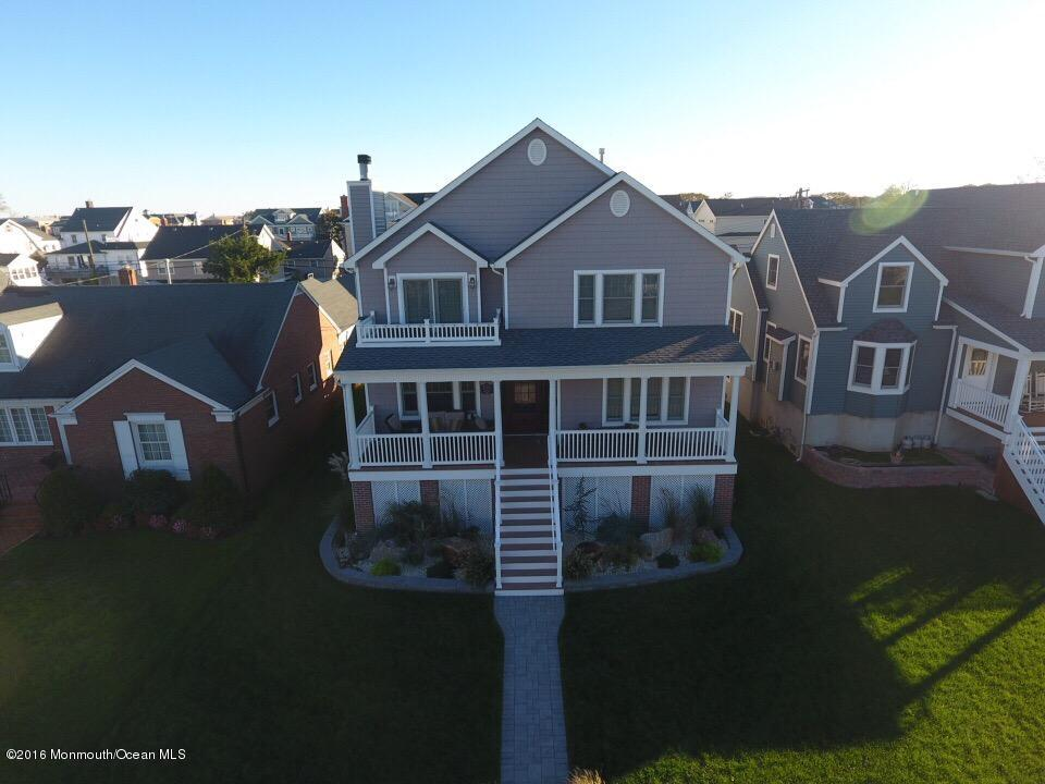 Photo of home for sale at 123 Lincoln Avenue Avenue, Avon-by-the-sea NJ