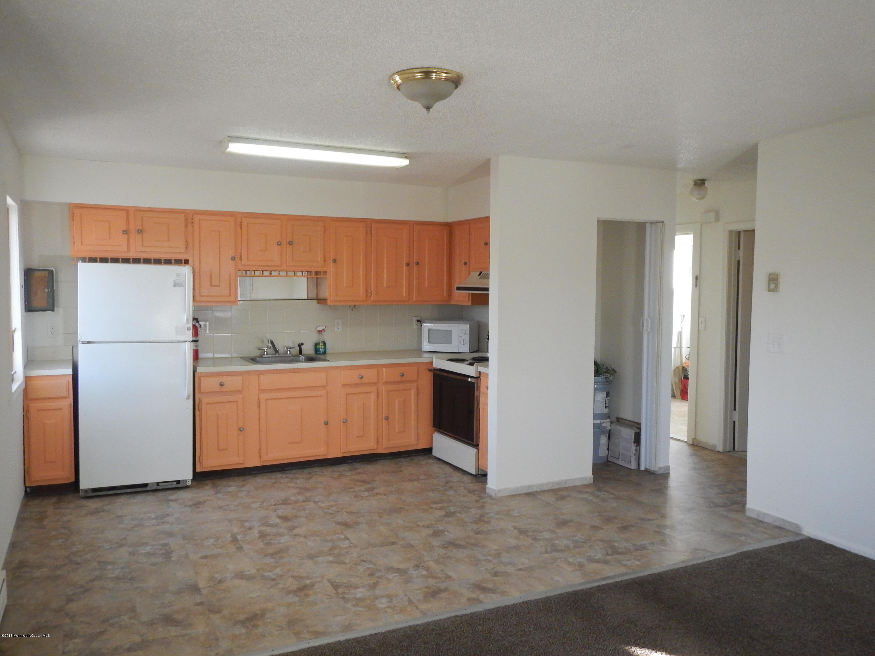 Photo of home for sale at 570 Fischer Boulevard Boulevard, Toms River NJ
