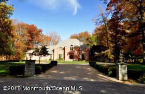 Property for sale at 16 Taylor Lake Court, Manalapan,  NJ 07726