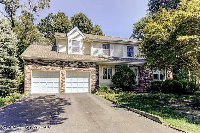 Photo of home for sale at 14 Penny Lane Lane, Bayville NJ