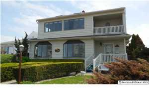 7 Lincoln Avenue, Avon-by-the-sea, NJ 07717