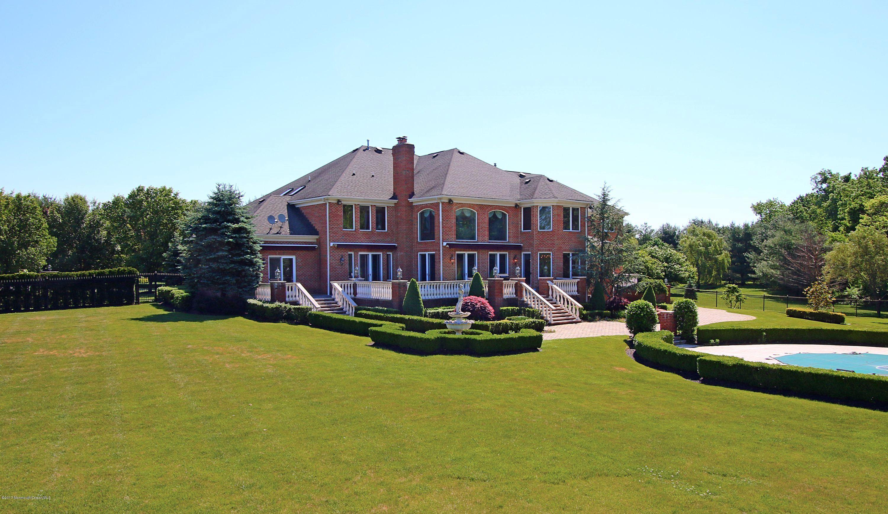 Photo of home for sale at 16 Evergreen Lane Lane, Colts Neck NJ