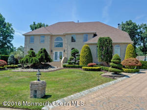 Property for sale at 13 Beena Way, Manalapan,  NJ 07726