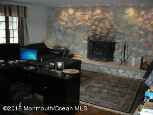11 PAGE DRIVE, RED BANK, NJ 07701  Photo 9