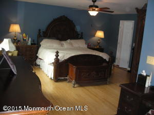 11 PAGE DRIVE, RED BANK, NJ 07701  Photo 10