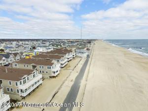 233 Beach Front