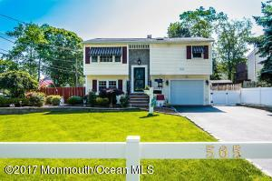 565 Sumner Avenue, Middletown, NJ 07748