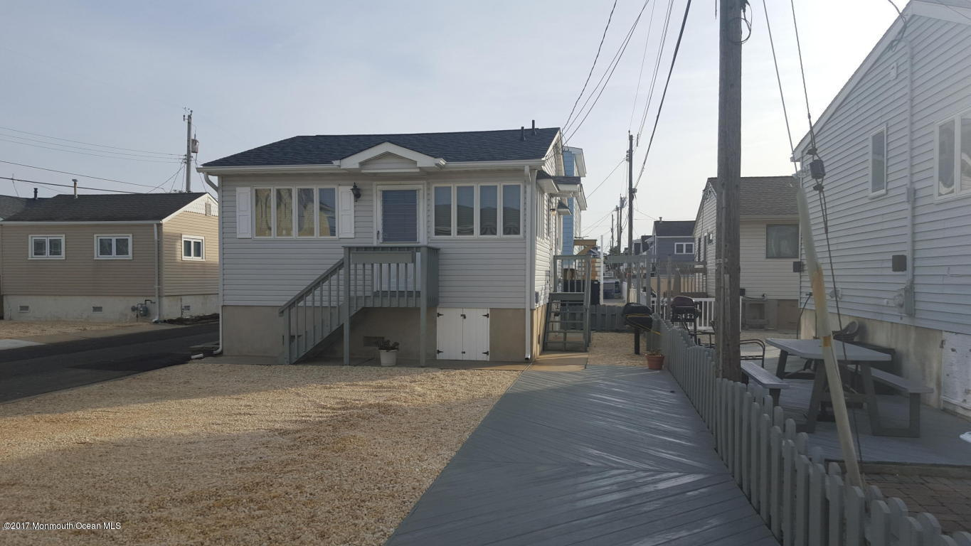 123 W Shell Way - Picture 1