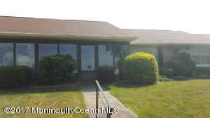 30b Yorkshire Court, Manchester, NJ 08759