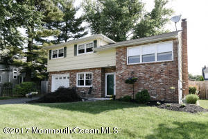 33 Wilson Circle, Middletown, NJ 07748