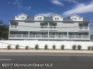 Photo of home for sale at 93 21st Avenue Avenue, Seaside Park NJ