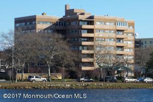 Recently updated 2 bedroom penthouse in The Esplanade.  Walk to the beach, boardwalk, eateries and music venues - just a bike ride to Asbury's downtown area.  Secure building with pool, common laundry and bike racks.  Lake views and ocean breezes.