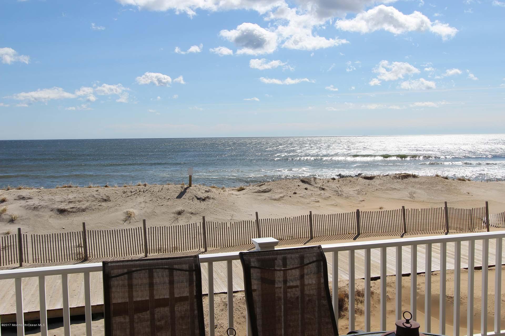 2402  Oceanfront  - Picture 16
