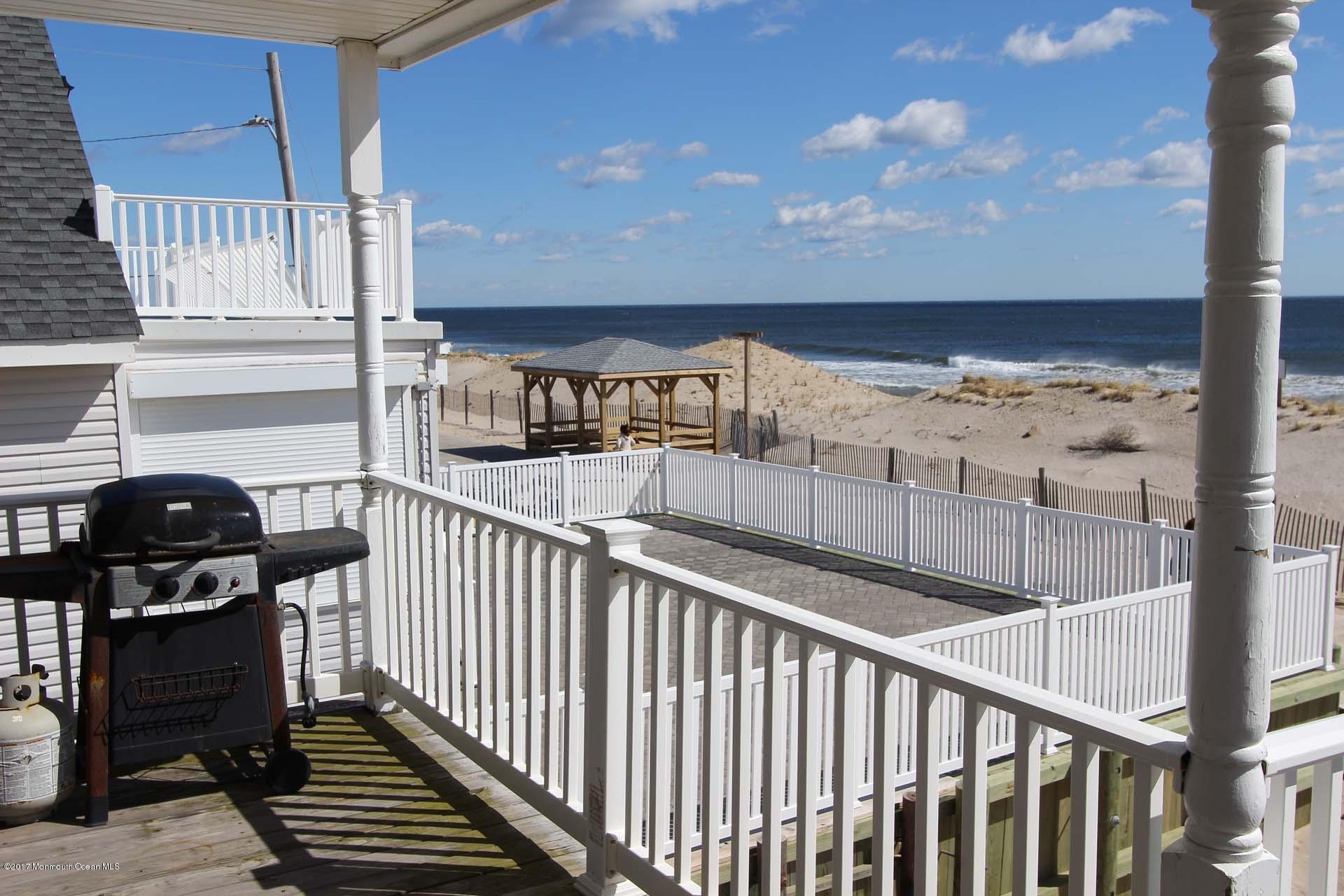 2402  Oceanfront  - Picture 18