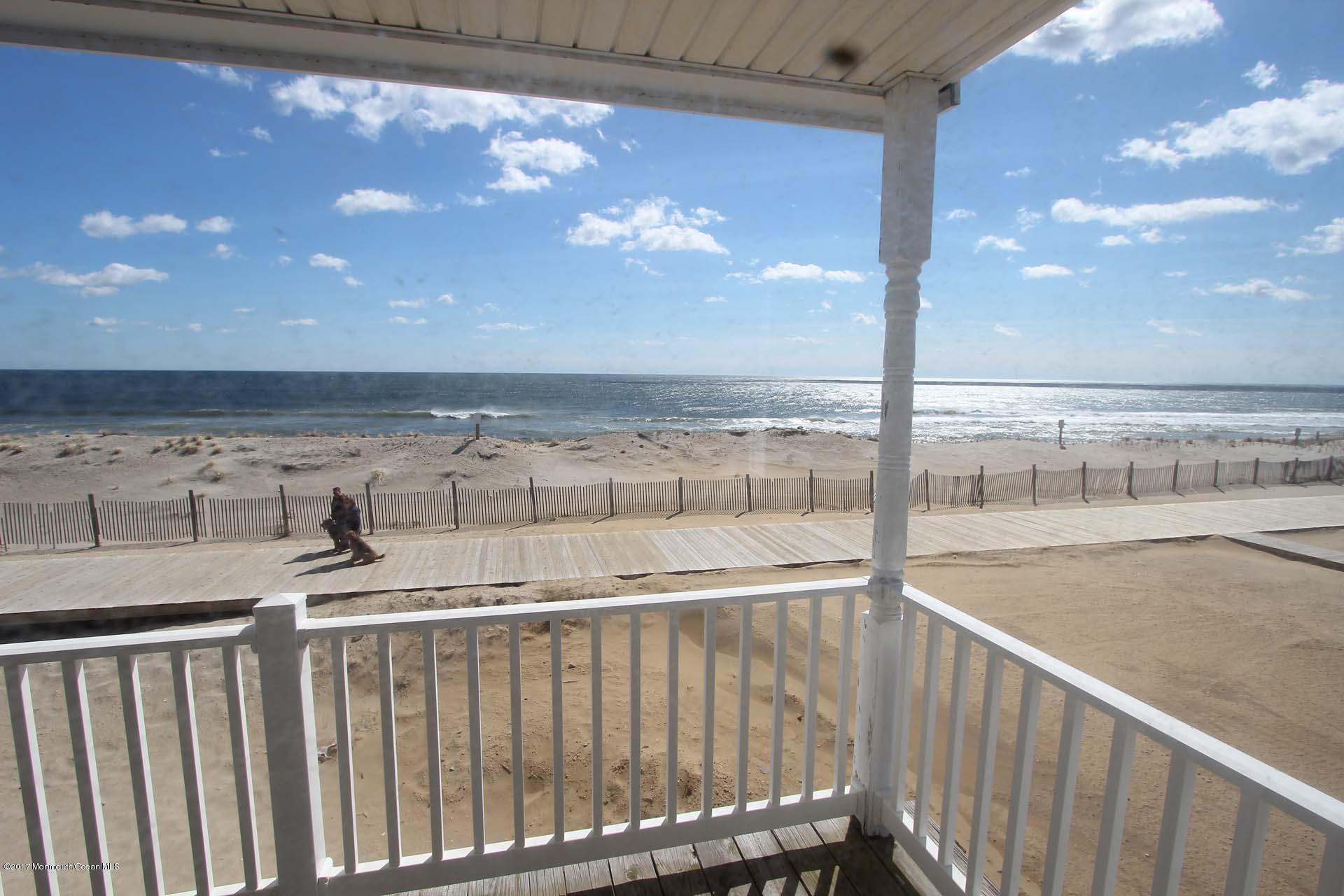 2402  Oceanfront  - Picture 19