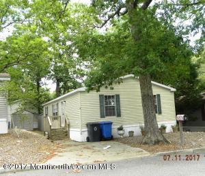 6 Oak Tree Lane, Manahawkin, NJ 08050
