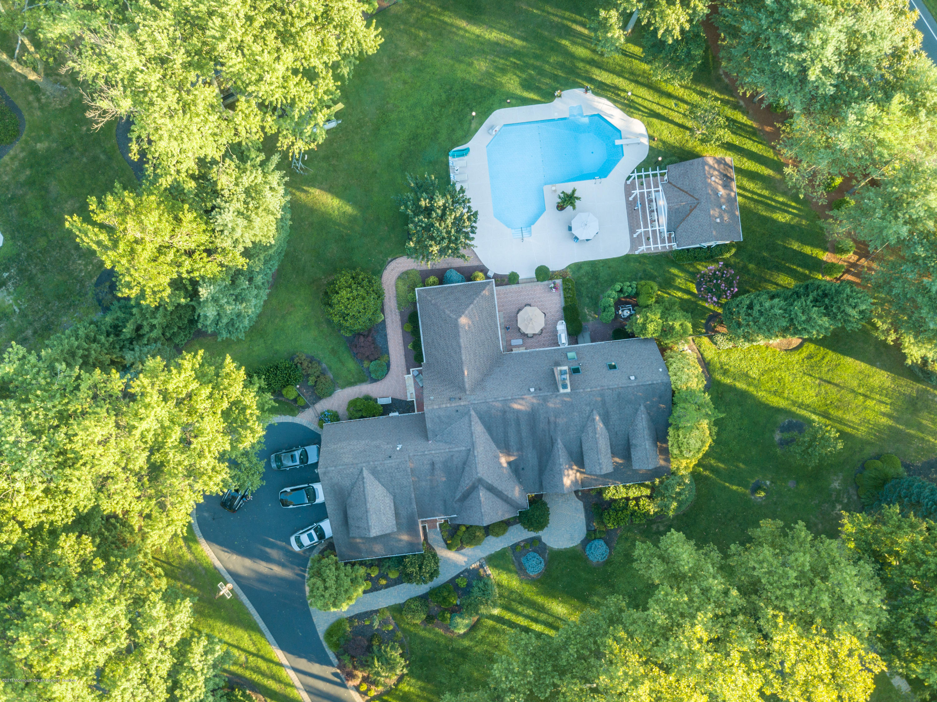 4 PAAG LANE, LITTLE SILVER, NJ 07739