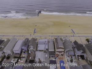 171 Beach Front