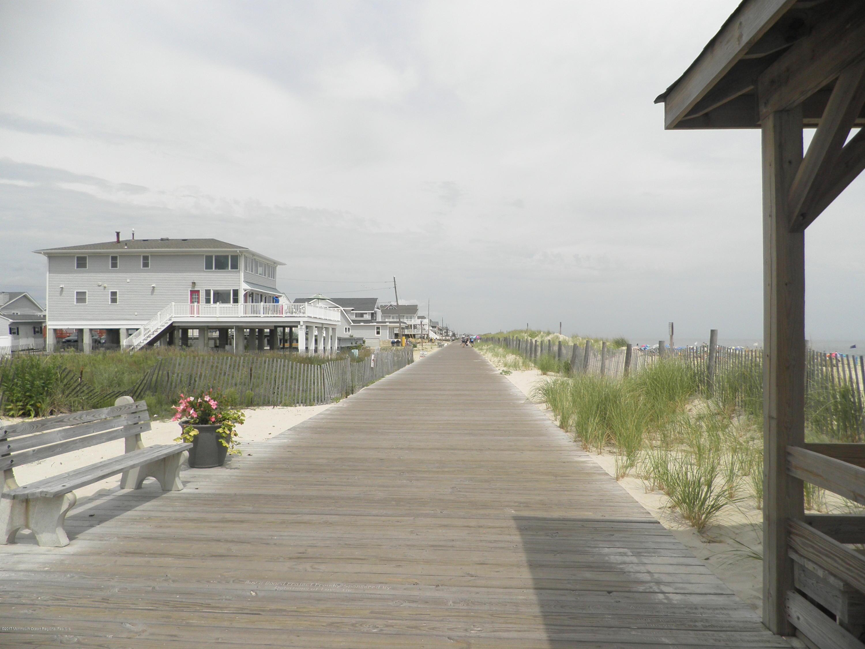2104  Ocean Avenue - Picture 5