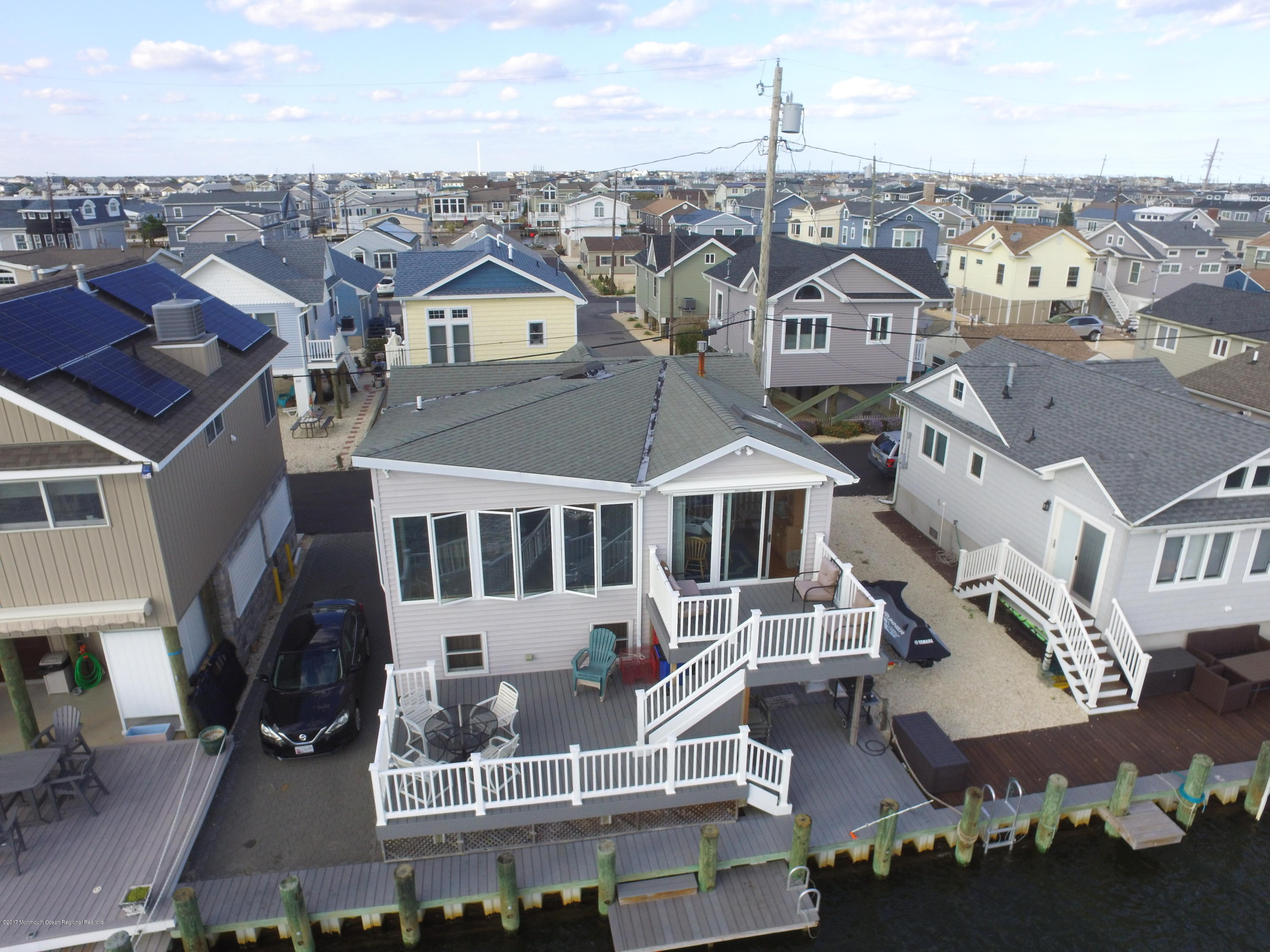 231  Gull Lane - Picture 1