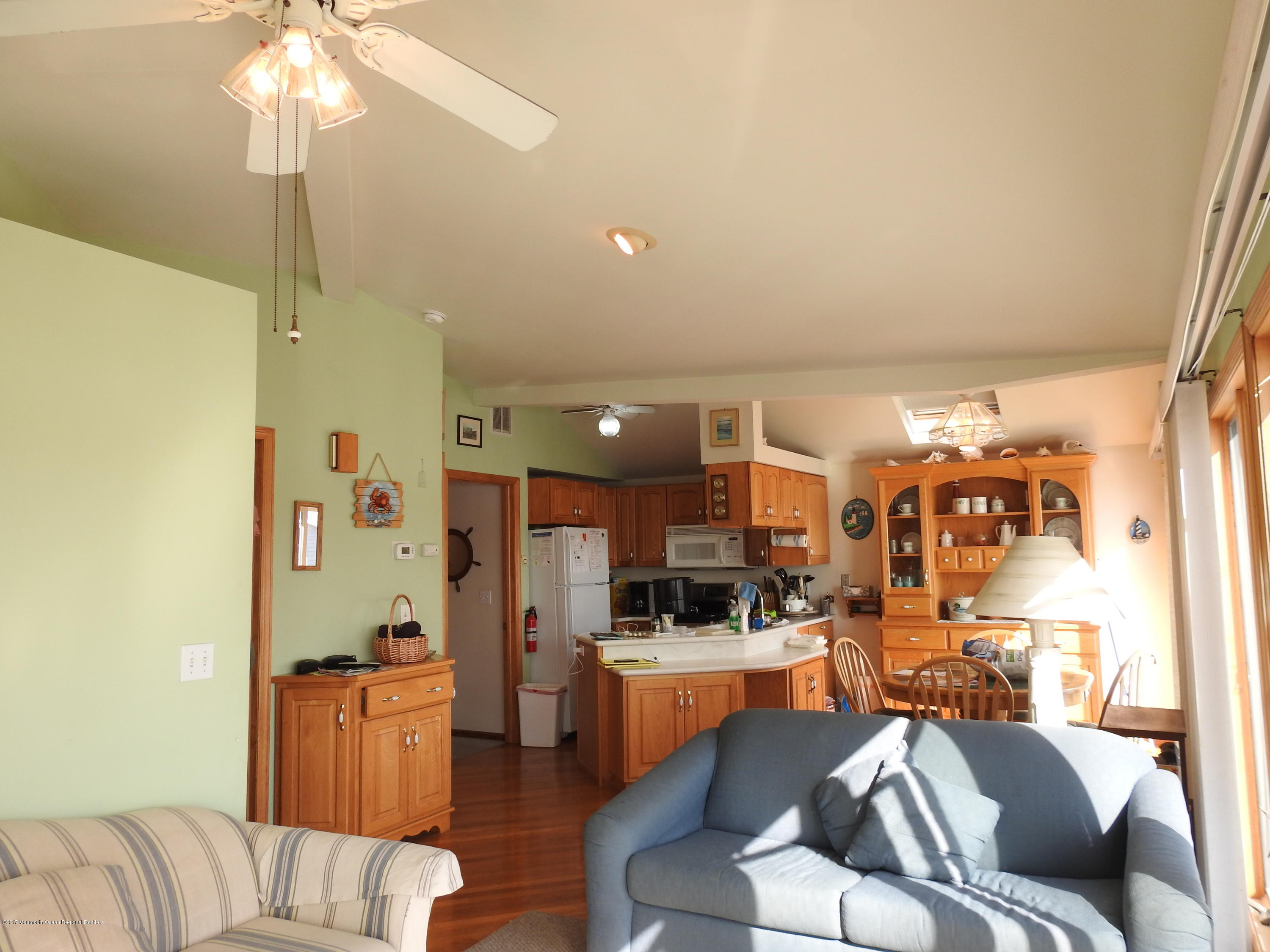 231  Gull Lane - Picture 4