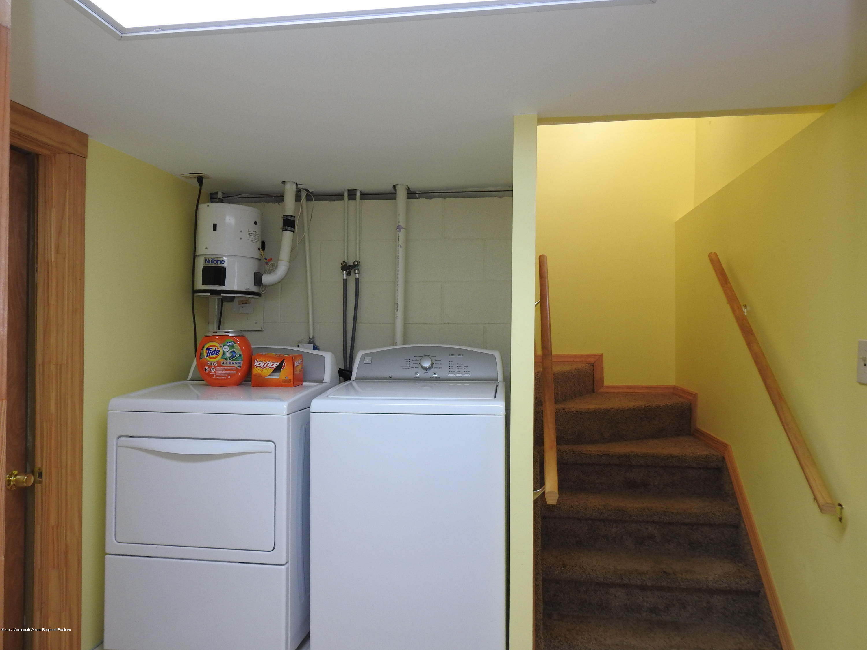 231  Gull Lane - Picture 9