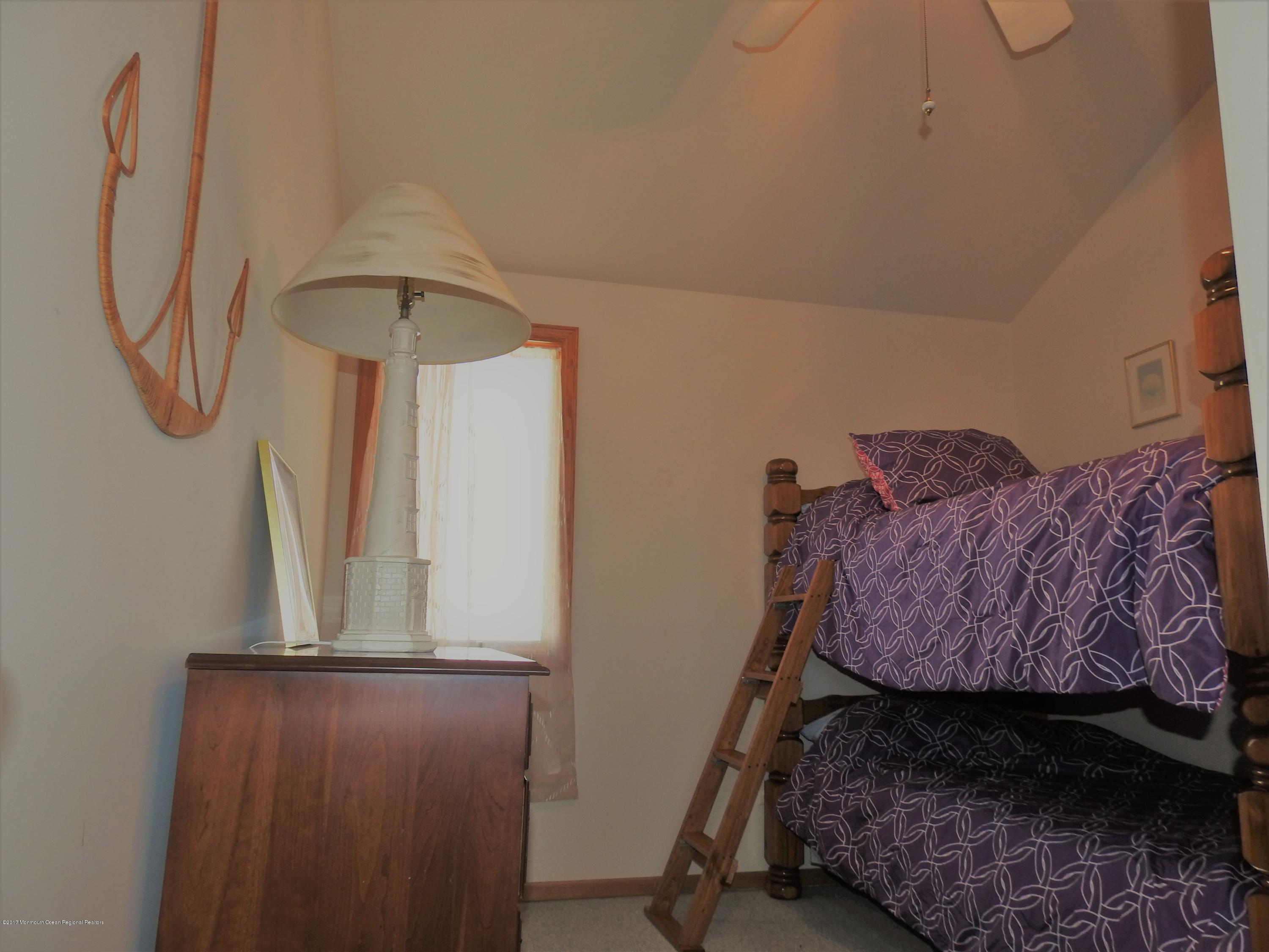 231  Gull Lane - Picture 7