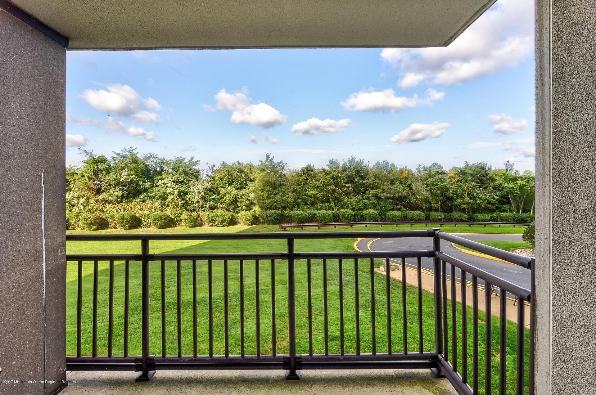 Private deck/patio