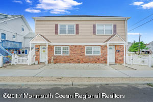 Photo of home for sale at 701 Central Avenue Avenue SW, Seaside Park NJ