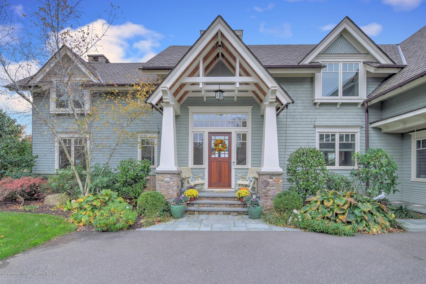 15 CARRIAGE HOUSE LANE, LITTLE SILVER, NJ 07739
