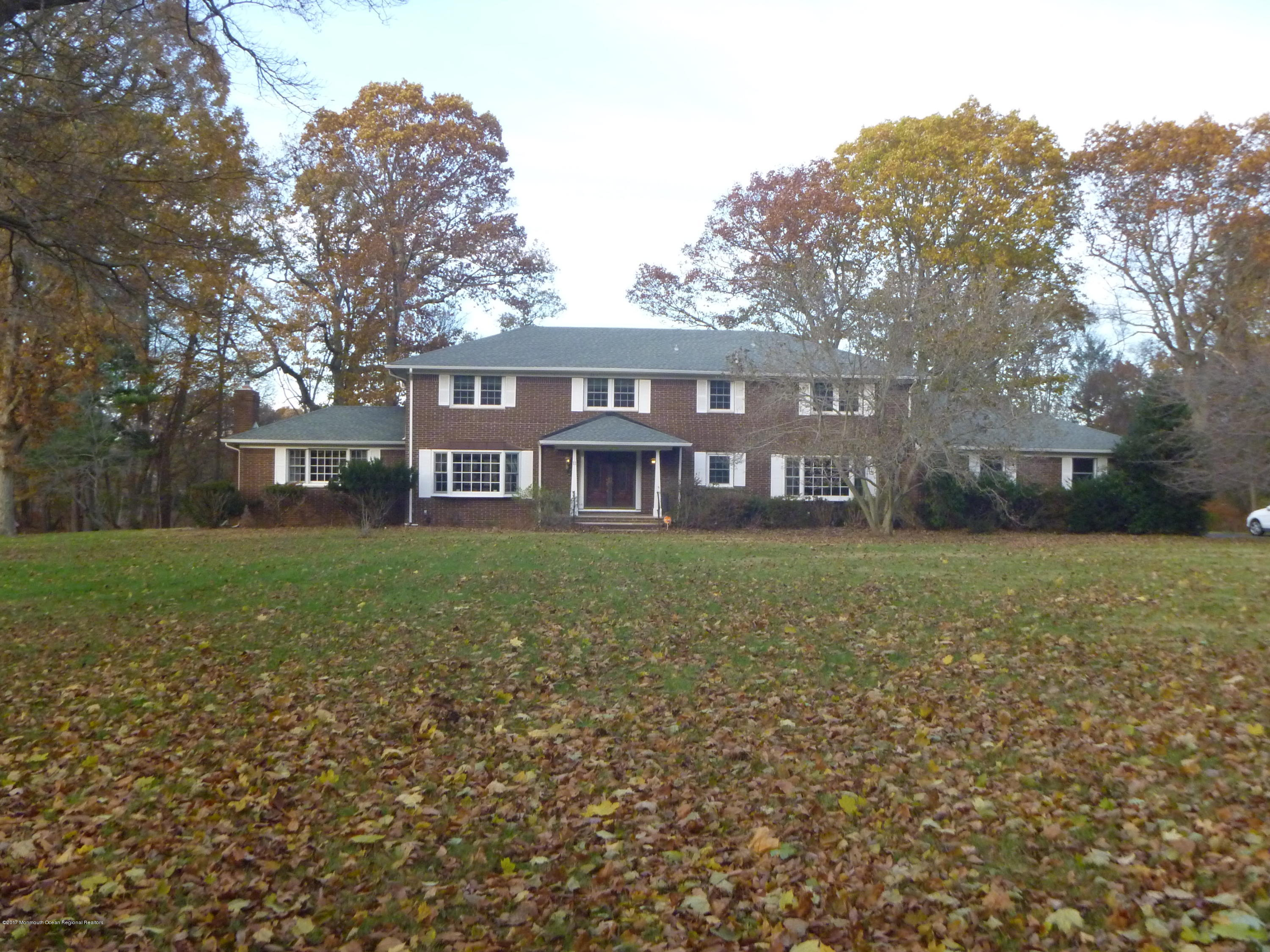 11 PAGE DRIVE, RED BANK, NJ 07701