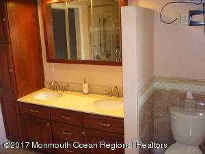 11 PAGE DRIVE, RED BANK, NJ 07701  Photo 18