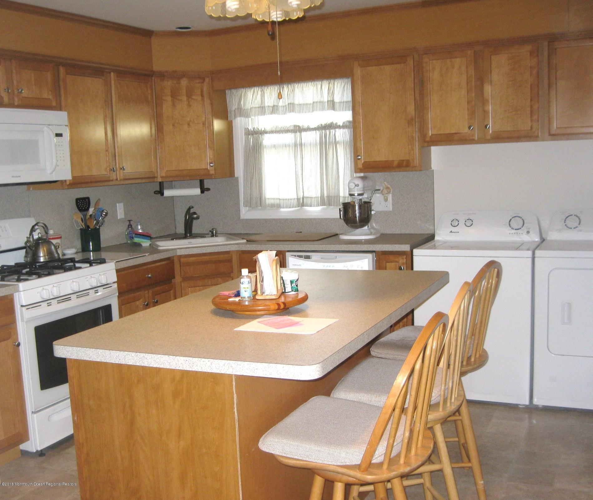 107 N Bayside Road - Picture 5
