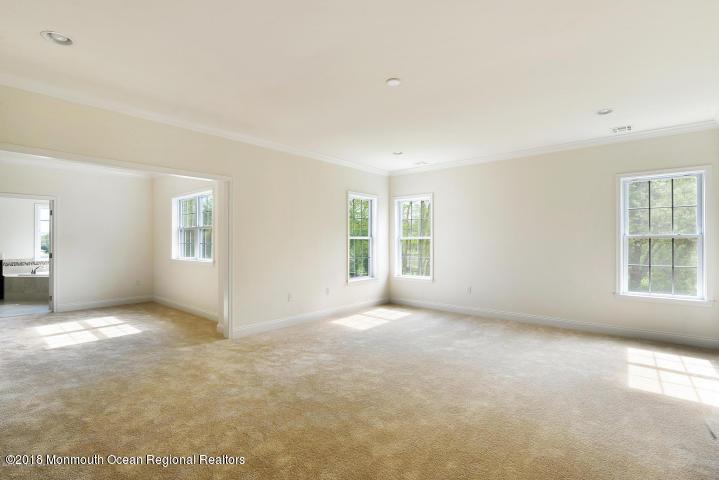 Master Bedroom & Sitting Room