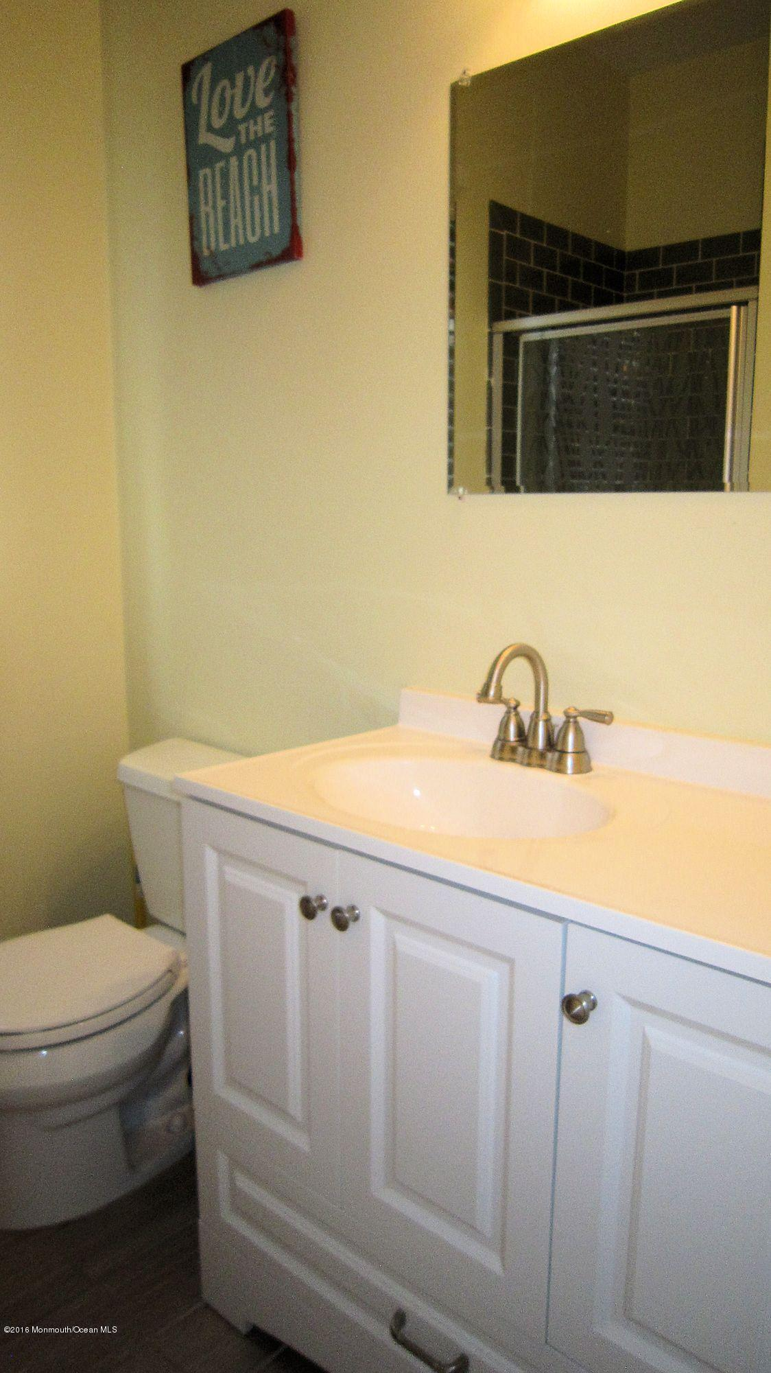 3276  Seaview Road - Picture 9