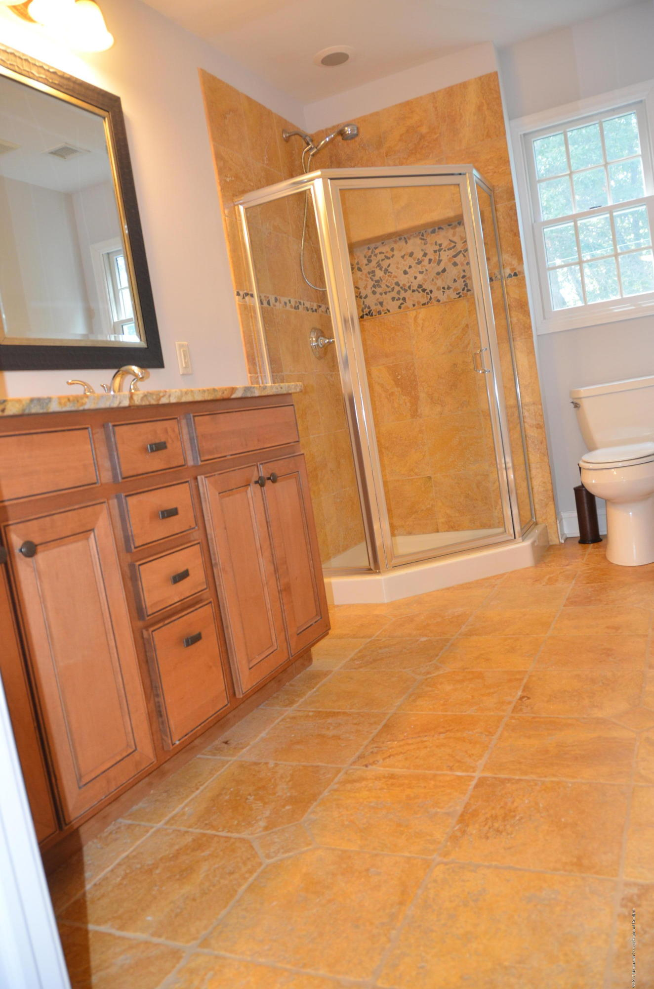 2nd flr bath-double sinks