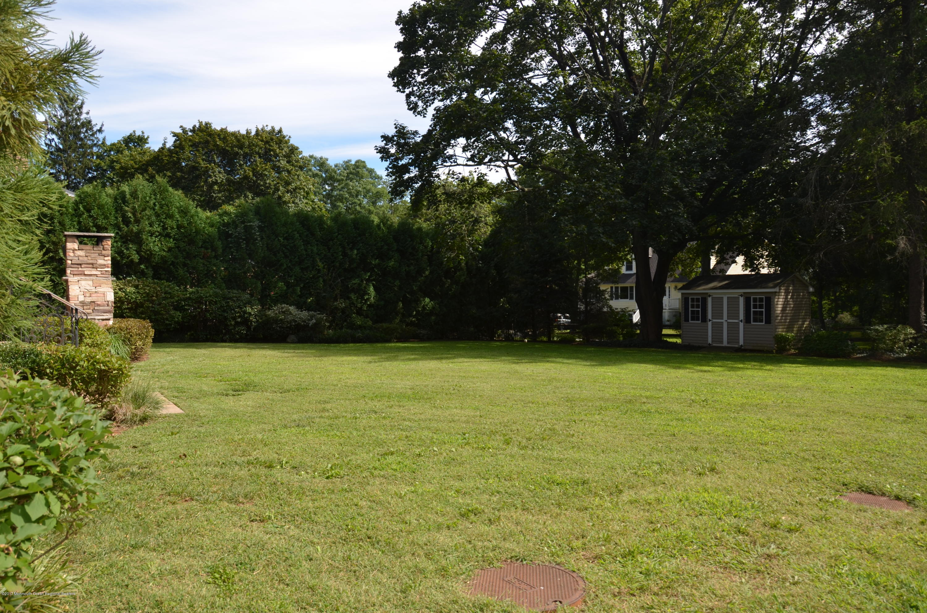 Manicured, private, fenced in yard