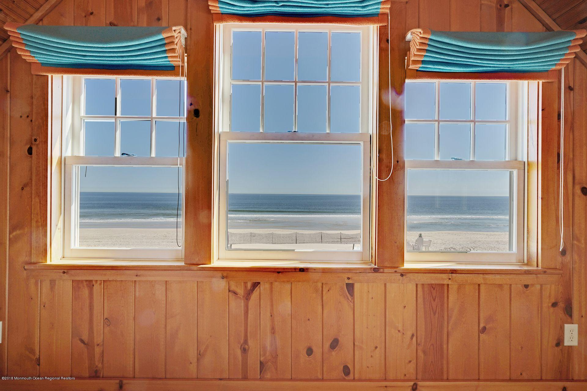 3600  Ocean Terrace - Picture 24