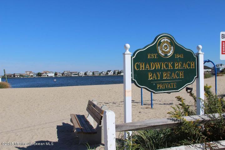 66 E Beach Way - Picture 19