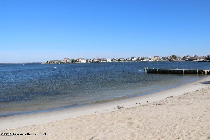 66 E Beach Way - Picture 20