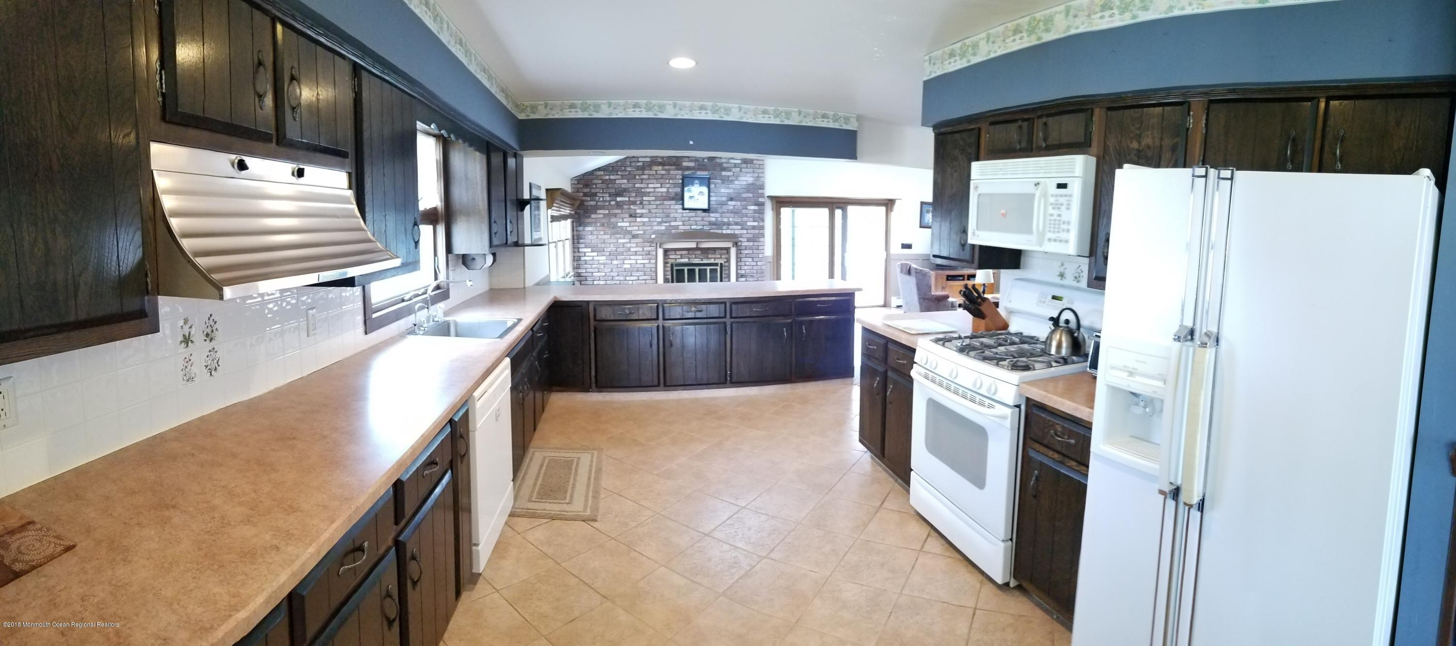 156  Pershing Boulevard - Picture 10