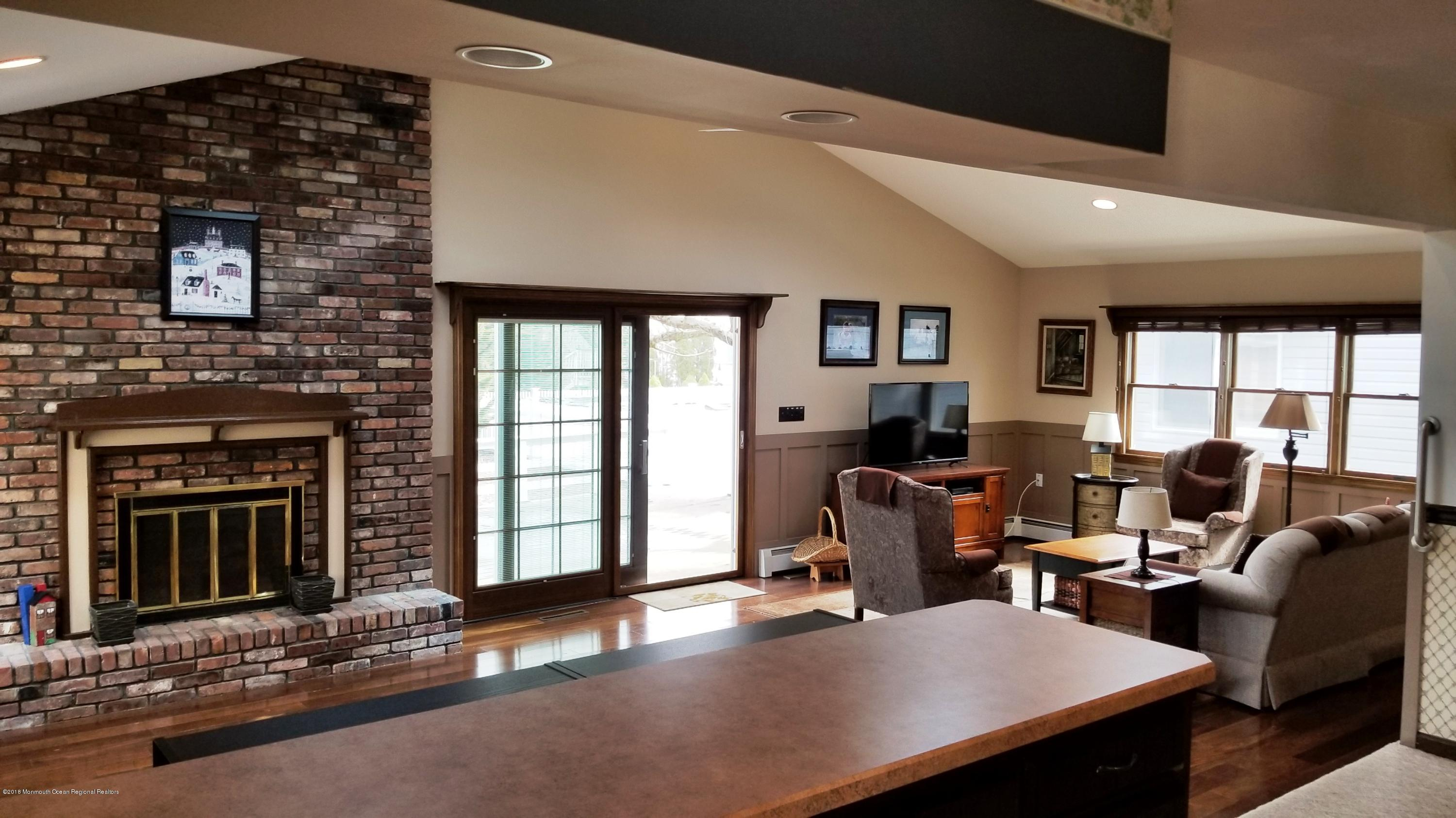 156  Pershing Boulevard - Picture 14