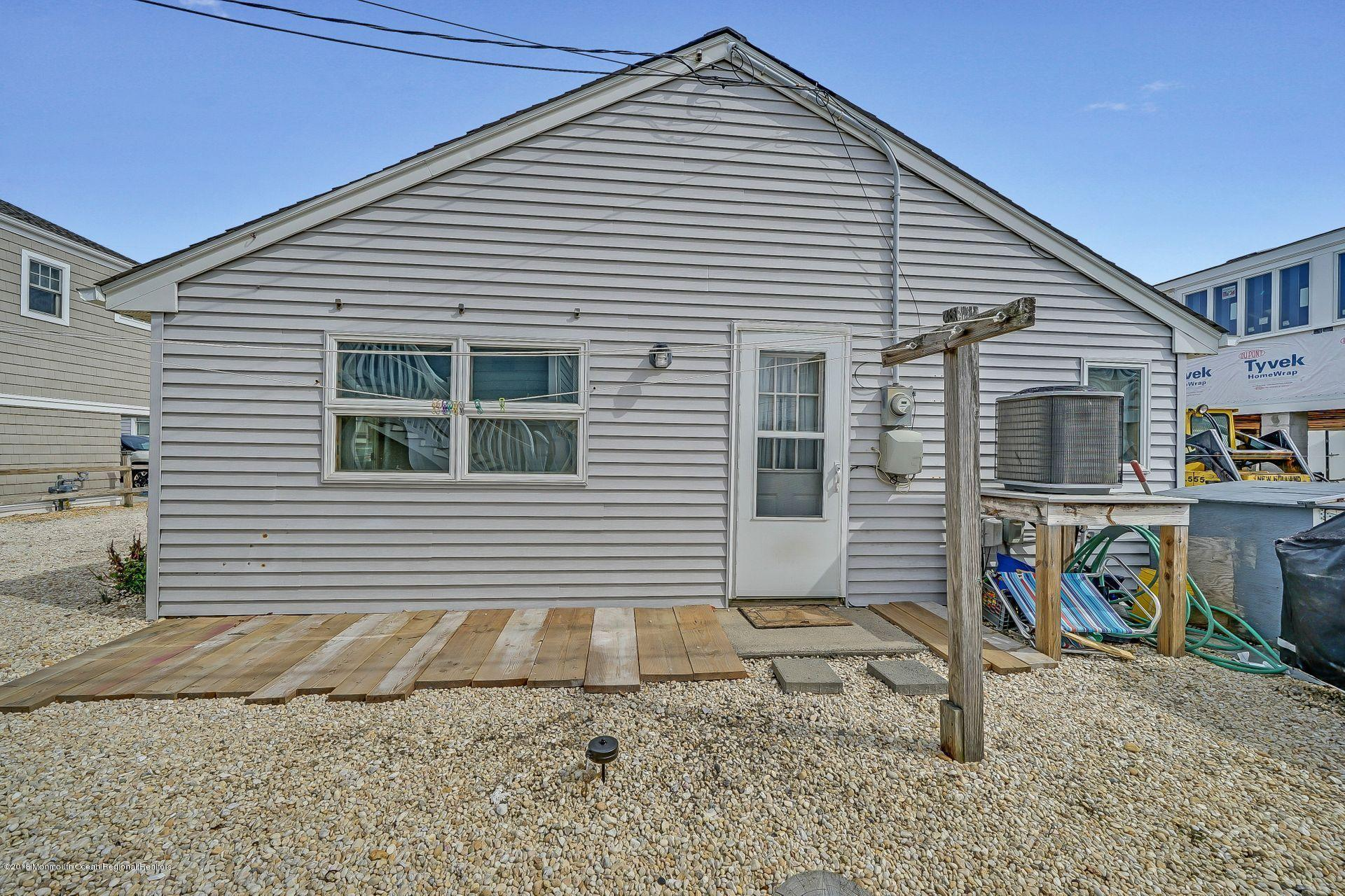 113 W Bayview Drive - Picture 19