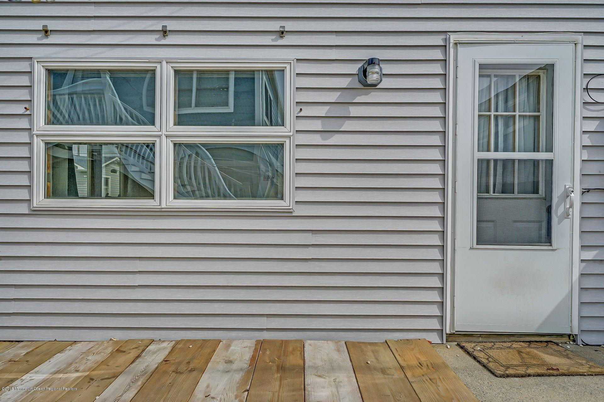 113 W Bayview Drive - Picture 10