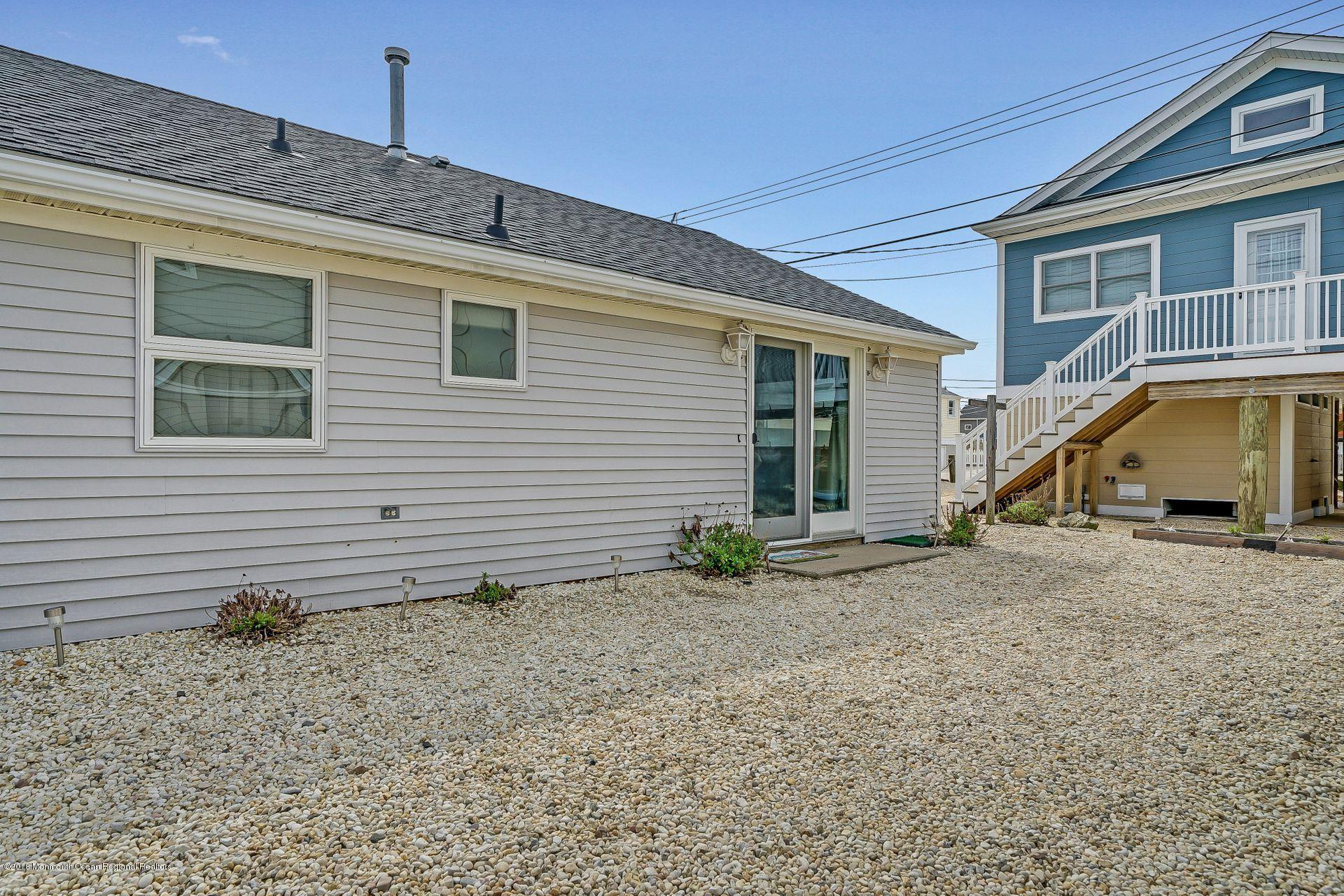 113 W Bayview Drive - Picture 18