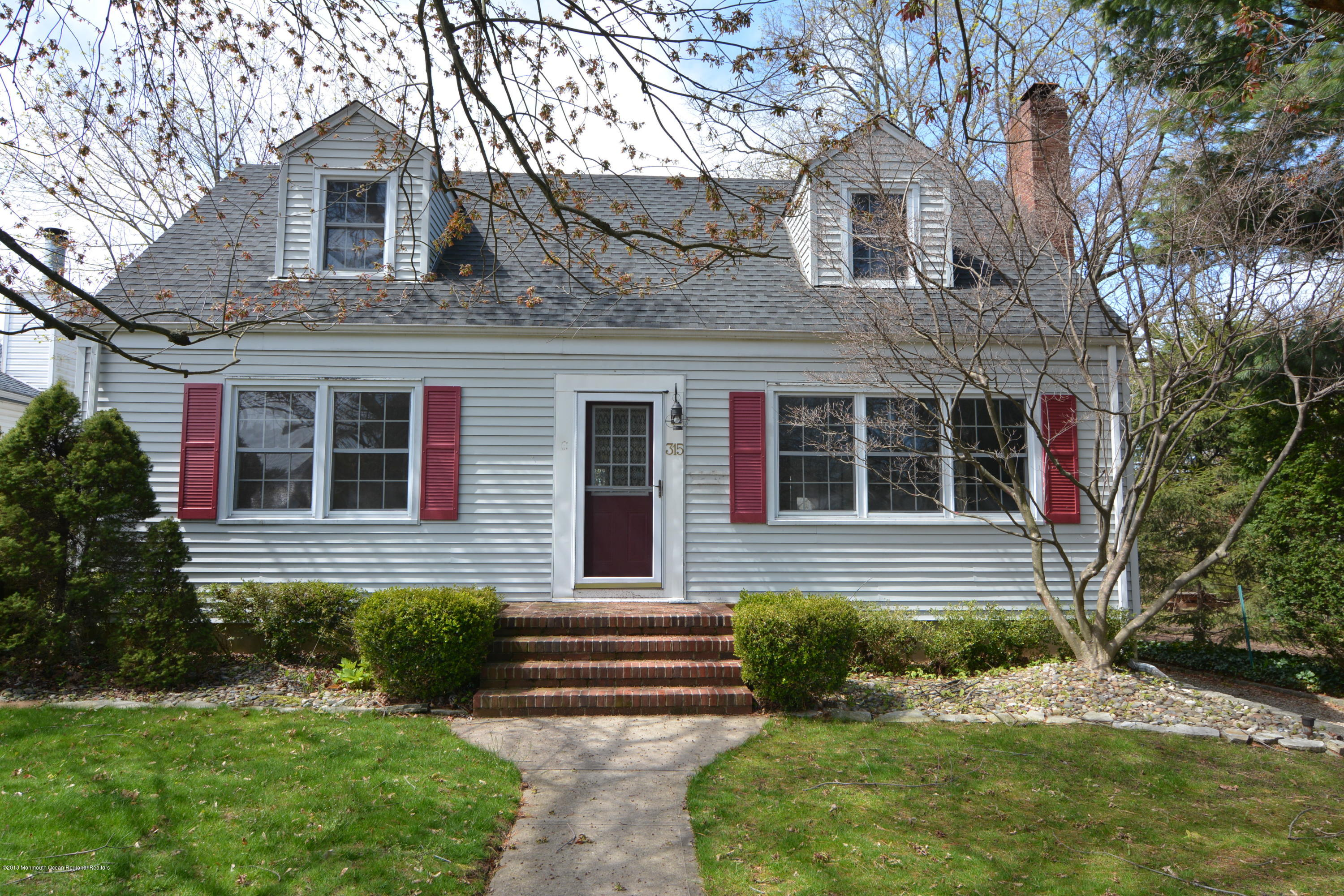 315 CONOVER PLACE, RED BANK, NJ 07701