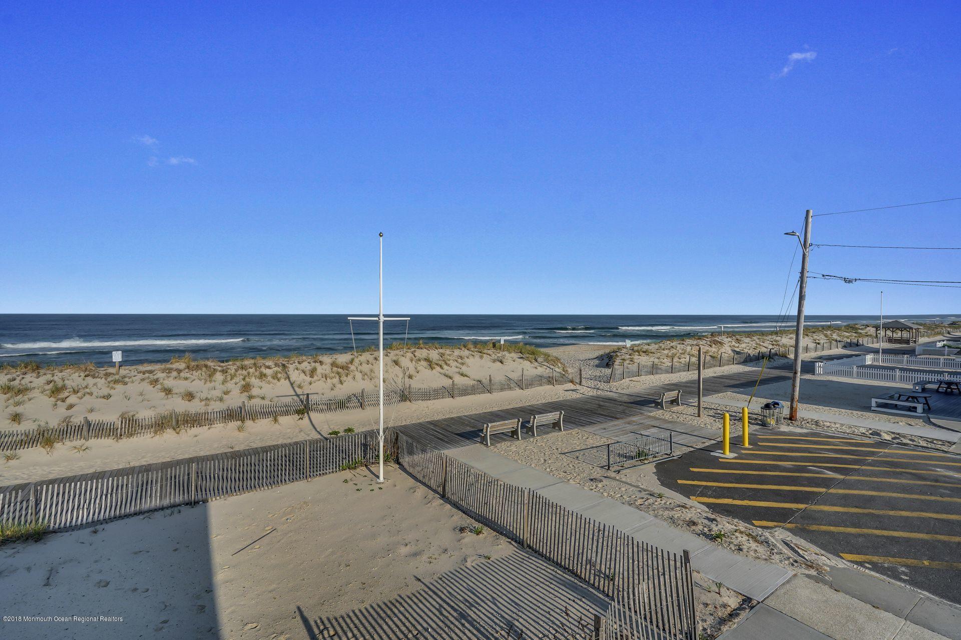 1306  Ocean Avenue - Picture 16