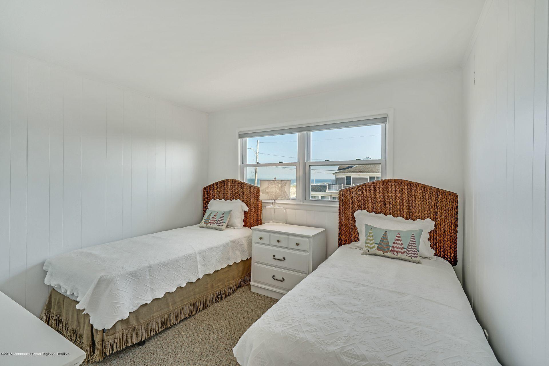1306  Ocean Avenue - Picture 23
