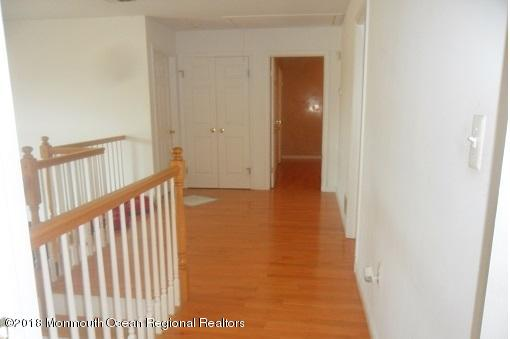 489 E Freehold Rd upstairs landing