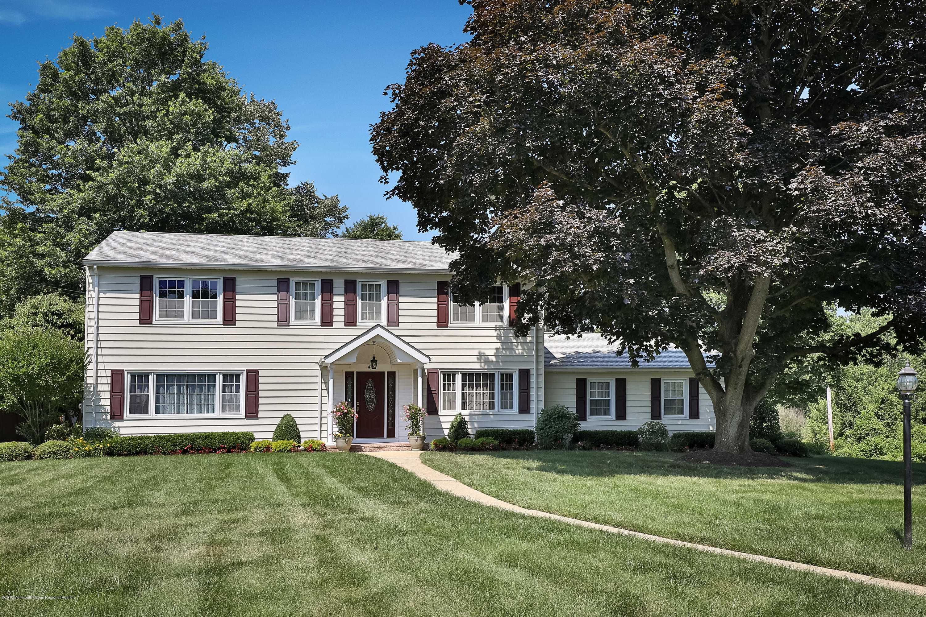 49 Colonial Drive